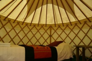 Manoloinside yurt